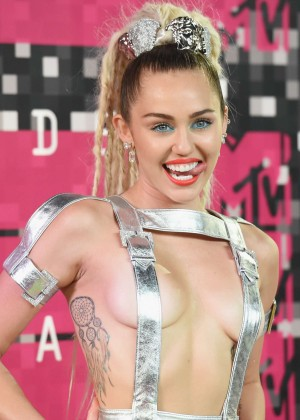 Miley Cyrus: 2015 MTV Video Music Awards in Los Angeles [adds]-76